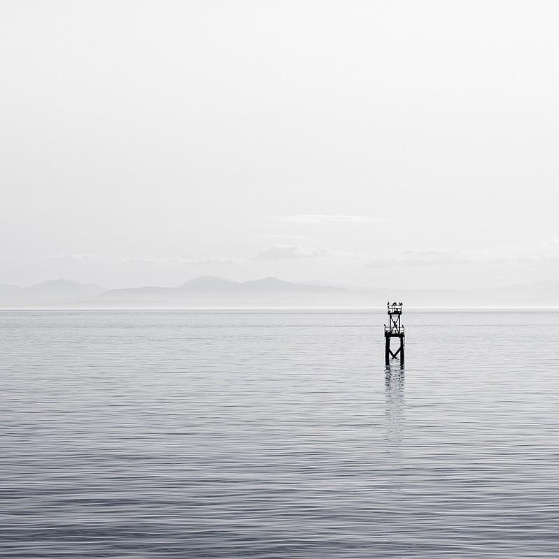 Pfahl im Wasser ls Sinnbild für einen Motivationsspruch